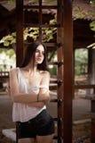 Härlig photoshoot för ung kvinna Arkivfoto