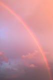 härlig regnbåge Arkivfoto
