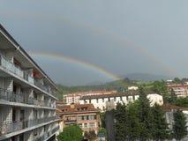 Härlig regnbågesikt i San Sebastian, Spanien Royaltyfri Foto