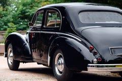 Härlig retro bil Elegans och stil av den första delen av XX cen royaltyfria bilder