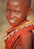 Härlig Samburu flicka i bågskyttstolpen, Kenya Arkivfoto