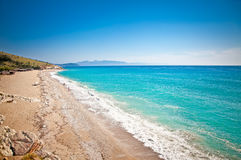 Härlig sandig strand Lukova i Albanien Royaltyfri Foto