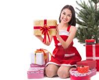 Härlig Santa Claus för Asien kvinnakläder dräkt Arkivfoto