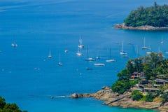 Härlig seascape i panoramasikt Exotiskt turkoshav Royaltyfri Bild