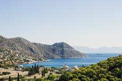 Härlig seascape på ön av salamier, Grekland, Mediterrane Royaltyfri Bild