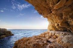 Härlig Seascape stenig kust Royaltyfria Foton