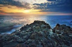 härlig seascapesolnedgång paradis för natur för sammansättningsdesignelement Arkivfoton