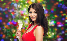 Härlig sexig kvinna med champagneexponeringsglas Arkivbilder