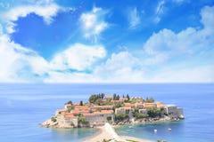 Härlig sikt av ö-semesterorten av St Stefan Sveti Stefan på Budvaen Riviera, Budva, Montenegro Royaltyfria Foton