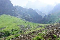 Härlig sikt av bergen Arkivfoto