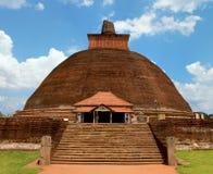 Härlig sikt av den forntida Jetavaranama dagobaen i det sakralt Arkivbild