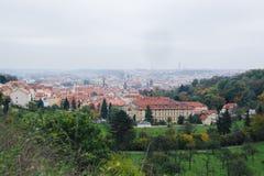 Härlig sikt av den gamla staden av Prague royaltyfria foton