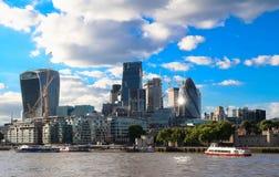 Härlig sikt av det moderna affärsområdet av London Fotografering för Bildbyråer