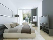 Härlig sikt av det trevliga hemtrevliga sovrummet Royaltyfria Foton