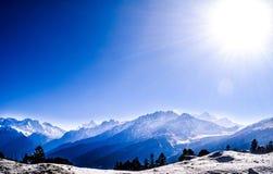 Härlig sikt av Himalayas Arkivfoto