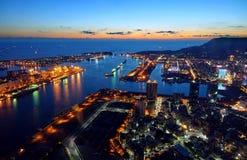 Härlig sikt av Kaohsiung port på aftonen Tid Arkivfoto