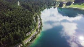 Härlig sikt av Konigsee sjön nära den Jenner monteringen i den Berchtesgaden nationalparken, övrebayerska fjällängar, Tyskland arkivfilmer