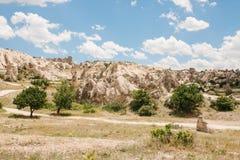 Härlig sikt av kullarna av Cappadocia En av sikten av Turkiet Turism lopp, härliga landskap, natur Arkivfoto