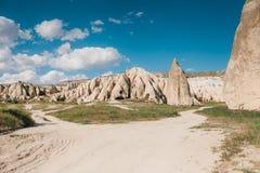 Härlig sikt av kullarna av Cappadocia En av sikten av Turkiet Turism lopp, härliga landskap, natur Royaltyfri Fotografi