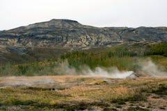 Härlig sikt av nationalparken i dalen av Haukadalur, Island royaltyfria bilder