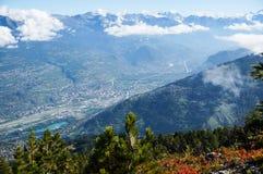Härlig sikt av Nendaz, Schweiz Royaltyfri Bild