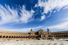 Härlig sikt av plazaen de españa i seville royaltyfria bilder
