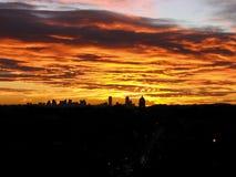 Härlig sikt av soluppgång över staden av Boston Arkivfoton