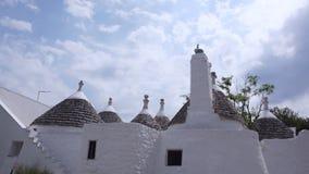 Härlig sikt av staden Alberobello i Italien lager videofilmer