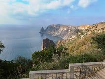 Härlig sikt av udde Fiolent på Blacket Sea Berömt ställe för turism nära Sevastopol i Krim royaltyfri foto