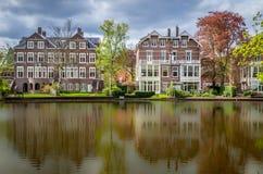 Härlig sikt av Vondelpark i Nederländerna royaltyfri bild