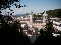Härlig sikt från fästningen på den gamla staden, Salzburg Arkivfoto