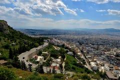 Härlig sikt från höjden av staden i Grekland arkivbilder