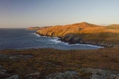 Härlig sikt från Mavis Grind, Shetland öar Arkivfoto