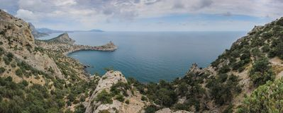 Härlig sikt längs seacoasten Novyi Svet, Krim royaltyfri foto