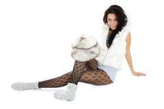 härlig sittande kvinna för pälshatt Royaltyfria Bilder