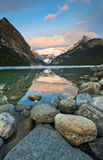 Härlig sjö Louise Scenic Royaltyfri Foto