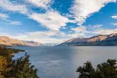 Härlig sjö och himmel i Wanaka royaltyfri bild