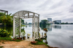 Härlig sjöbana av Inya, Yangon, Myanmar Arkivbilder