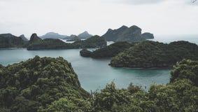 Härlig skärgård av tropiska öar i golfen av Thailand precis söder av Bangkok Royaltyfri Bild