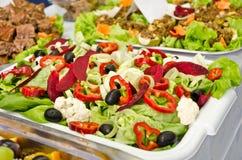 Härlig skärm av en vegetarisk platta. arkivbild