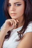 härlig skönhet eyes den naturliga ståenden för flickamakeup Royaltyfri Foto