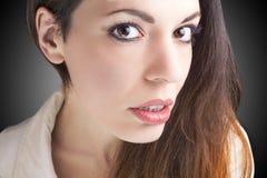 härlig skönhet eyes för naturståenden för makeup den naturliga kvinnan Arkivfoton