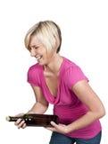 härlig skratta kvinna Royaltyfri Bild