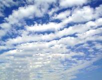 härlig sky arkivfoto