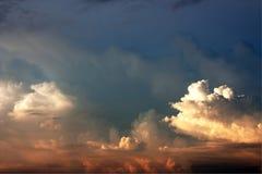 härlig skysolnedgång Fotografering för Bildbyråer