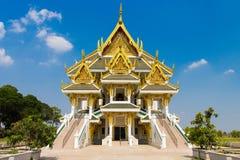 Härlig slott på Wat Khun Inthapramun arkivbild