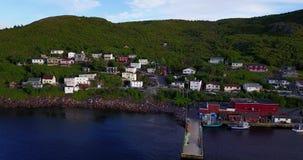 Härlig småaktig hamn under sommar, Newfoundland, Kanada stock video