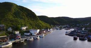 Härlig småaktig hamn under sommar, Newfoundland, Kanada lager videofilmer