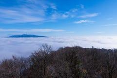 Härlig solig dag över dimmiga Samobor Royaltyfria Foton