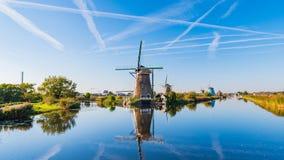 Härlig solig dag för Nederländerna Rotterdam-Kinderdijk royaltyfri fotografi